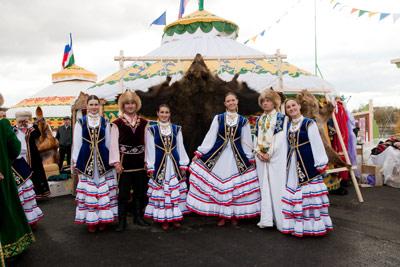 Башкиры - коренной народ (этнос) Башкортостана, простирающегося по обеим...